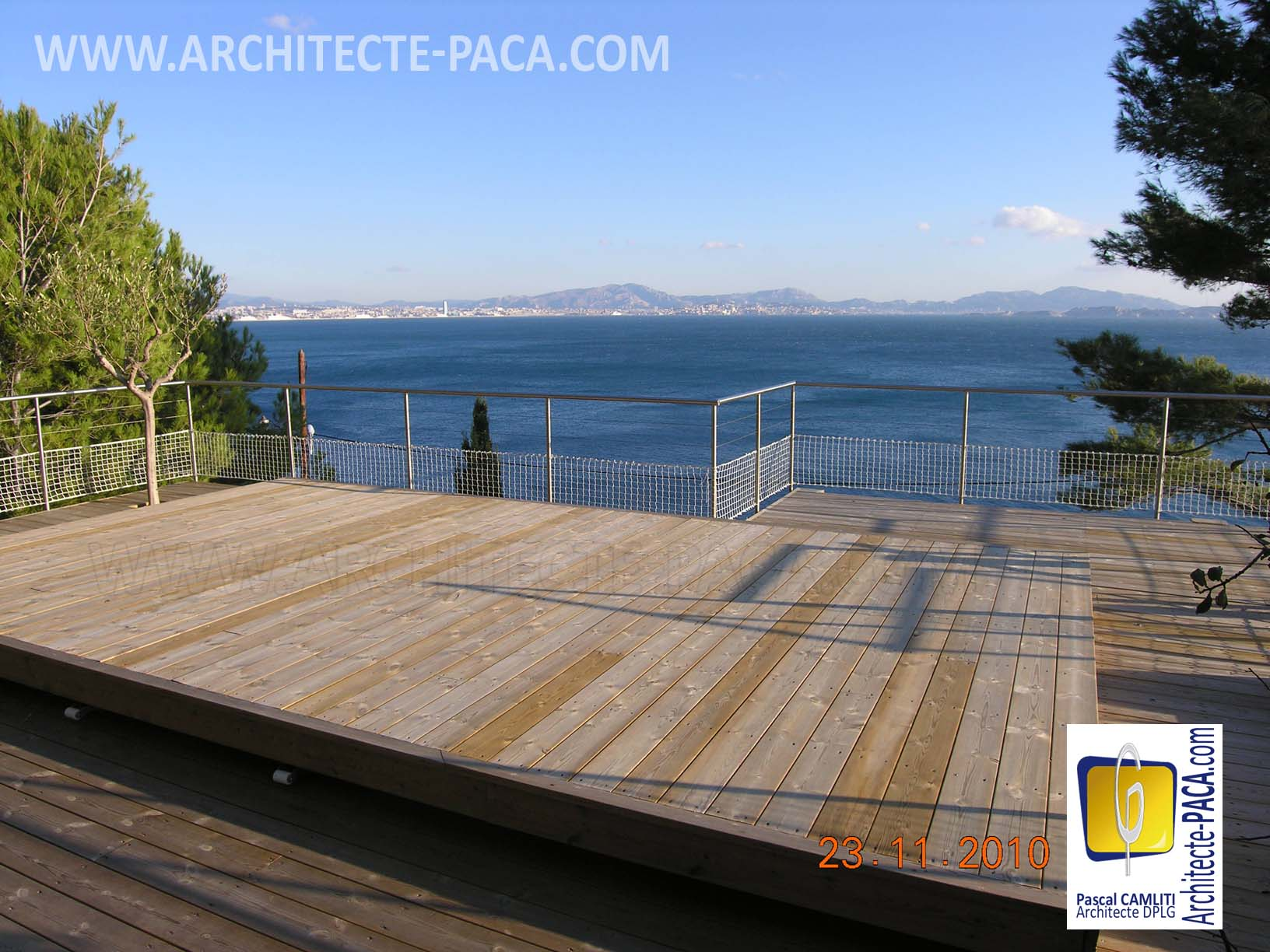 Pool deck ferm prtection piscine for Plan pour deck de piscine